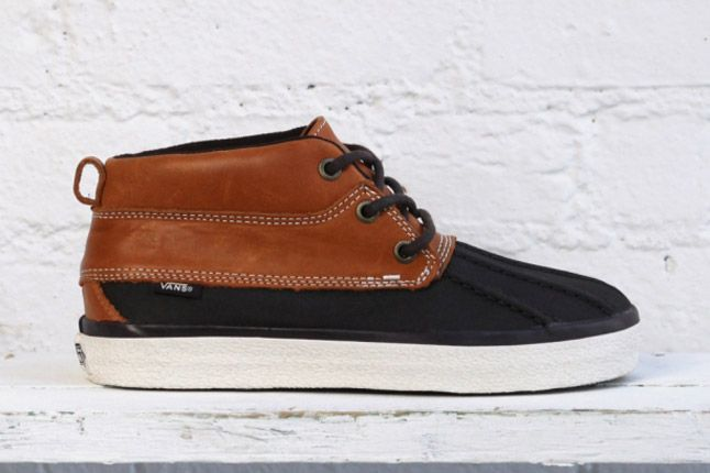 Vans Dqm Womes Winter Collection Girls Chukka Del Pato Profile 1