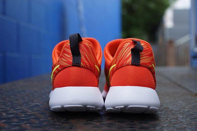 Nike Roshe Run Slip On Electric Orange Atomic Mango 1