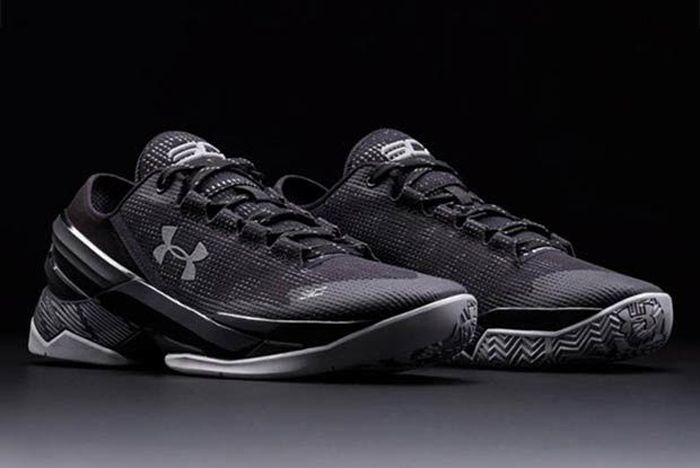 Under Armour Curry Two Low Essential