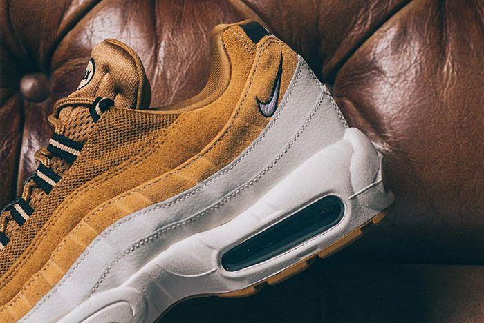 Nike Air Max 95 Wheat Gold At9865 700 Heel