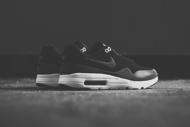 Nike Air Max 1 Ultra Moire Black Dark Grey 4