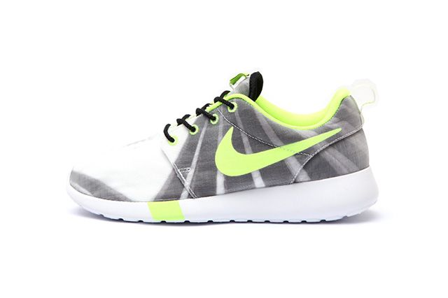 Nike Wmns Roshe Run Air Max 1 Training Pack 2