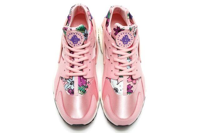Nike Floral Huarache 7