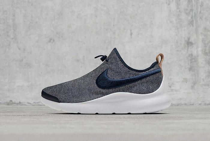 Hot On The Heels Of Their Recent Colab The Swoosh And Loopwheeler Have Just Worked Together On Two New Sneakers A Roche Two And An Aptare Se 1