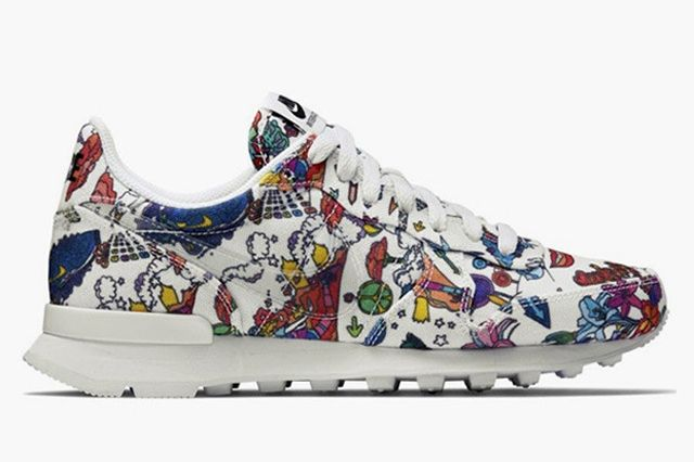 Nike Wmns Internationalist Psychedelic