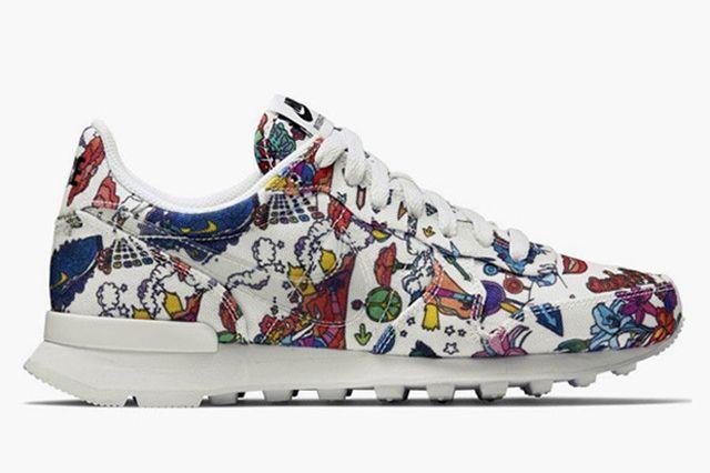 Nike Wmns Internationalist Psychedelic