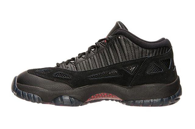 Air Jordan 11 Low Ie Referee5