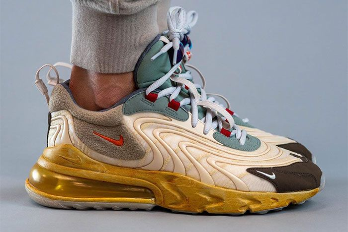 vestir Ennegrecer helado  On-Foot: Travis Scott x Nike Air Max 270 React - Sneaker Freaker
