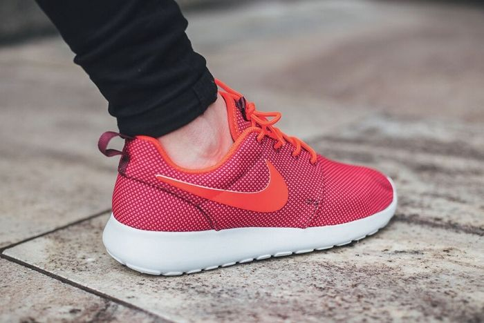 Nike Roshe One Red Orange 1