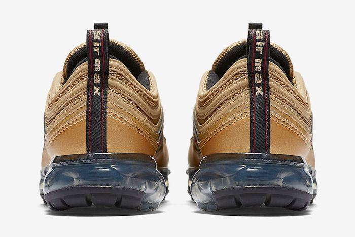 Nike Air Vapormax 97 Metallic Gold 5