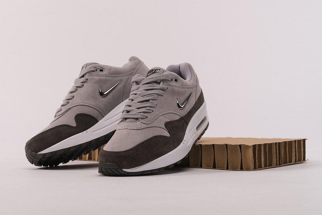 Nike Air Max 1 Jewel 5