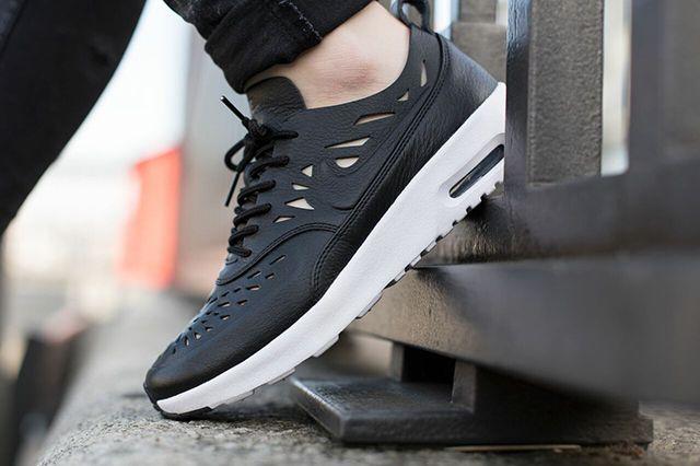 Nike Air Max Thea Joli Bump