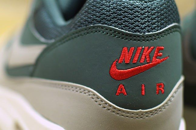 Nike Air Max Embroidery 1
