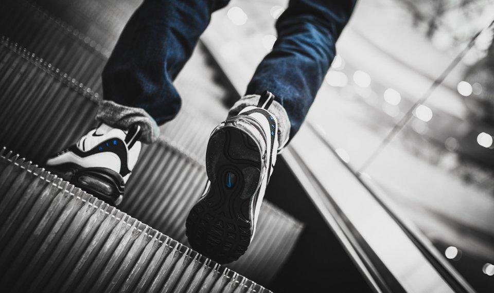 Nike Am Day Snkrshot Reverse Evolution 23