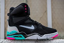 Nike Air Command Force Spurs Thumb