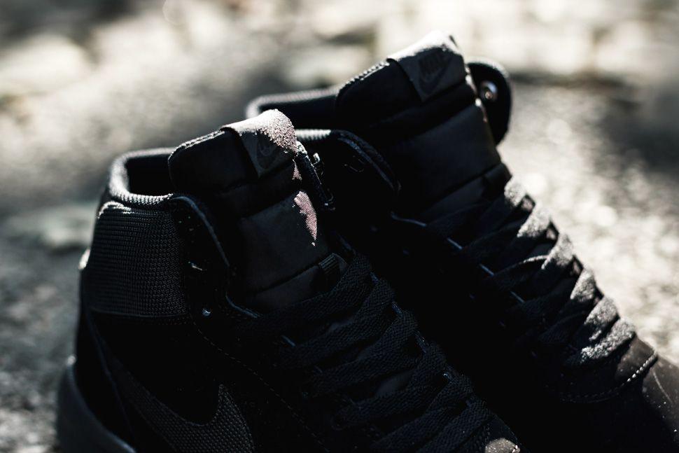 Nike Woodland Suede Triple Black 2