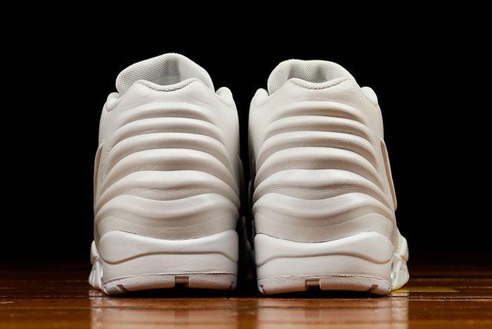 All White Nike Entertrainer 03