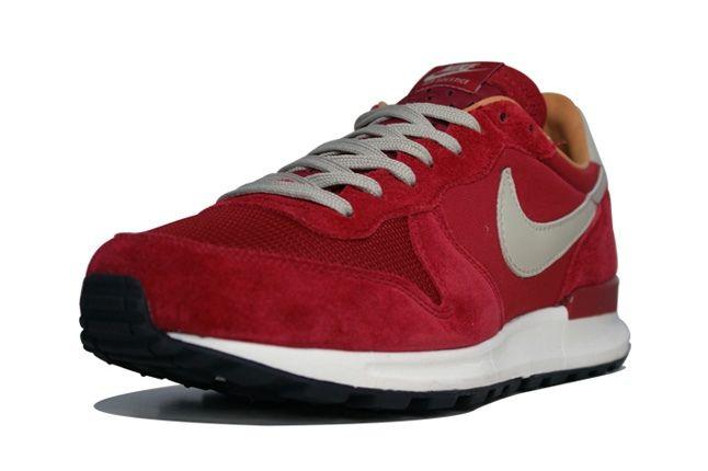 Nike Air Solstice Red Toe Quarter 1
