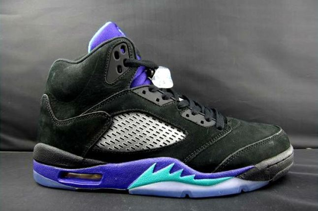 Air Jordan V Black Grape Profile 1