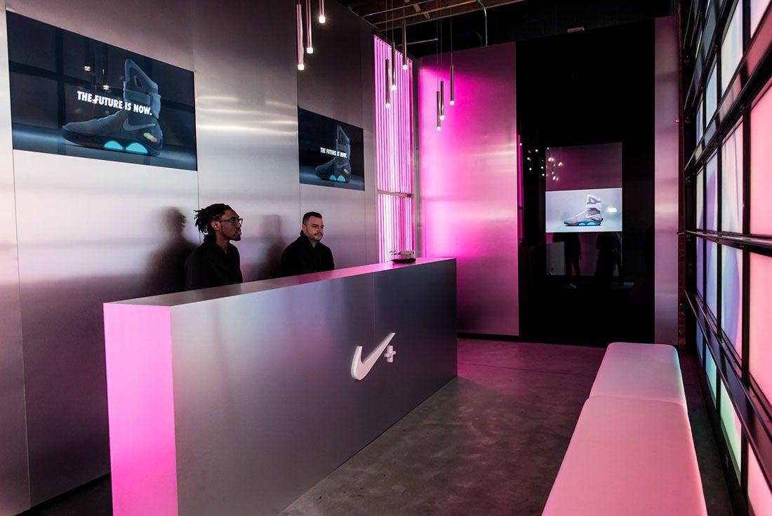 Nike Air Mag Show 15