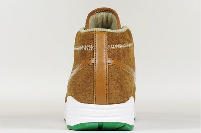Nike Wardour Max1 Britishtan Khaki Heel Profile 1