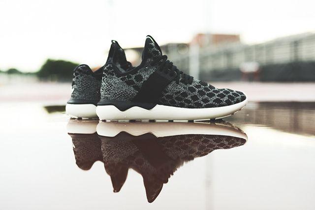 Tubular Runner Prime Knit B25574 Black Carbon Sneaker Politics Hypebeast 1 1024X1024