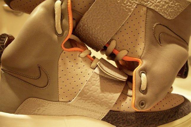 Nike Air Yeezy Zen 1