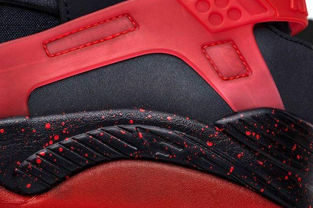 Nike Air Huarache Flight Black Challenge Red 7