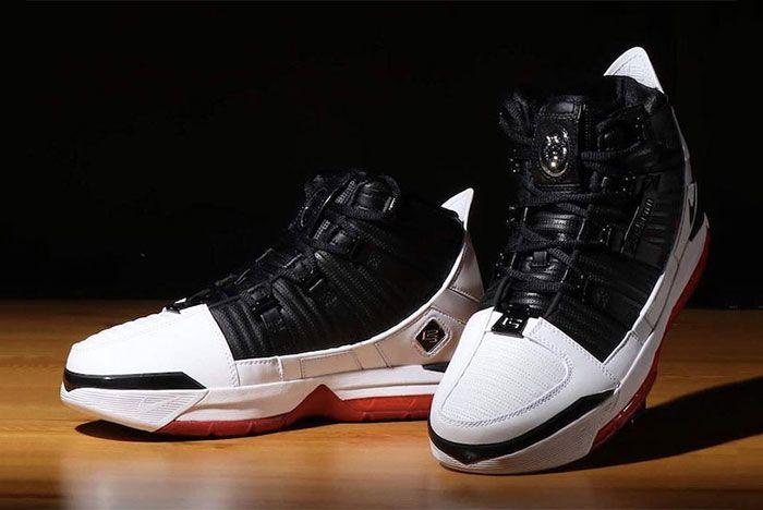 Nike Zoom Le Bron Iii Home Pair Side Shots3