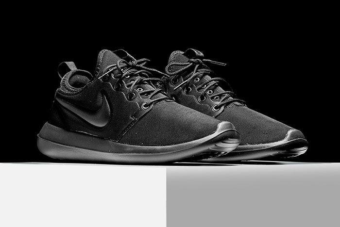 Nike Roshe Triple Black 2