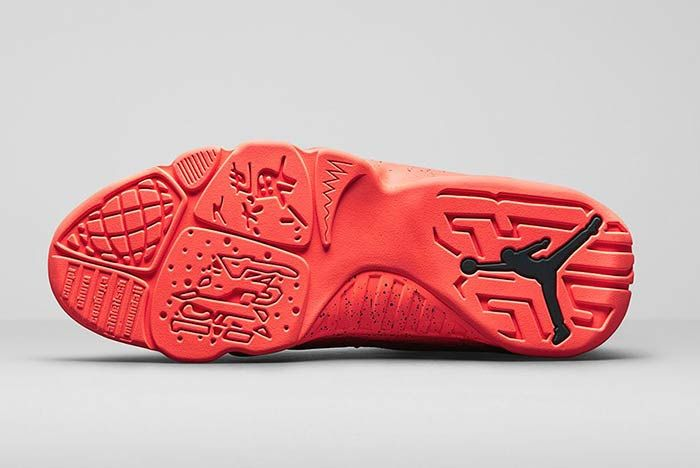 Air Jordan 10 Retro Low Bright Mango Medial 1
