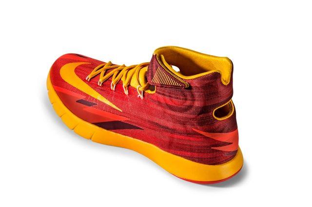 Nike Zoom Hyperrev Cleveland Back Angle