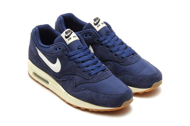 Air Max 1 Essential Nvy Perspective