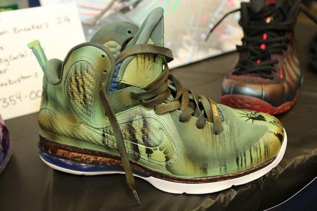 Sneaker Con Charlotte Lebron Custom 1