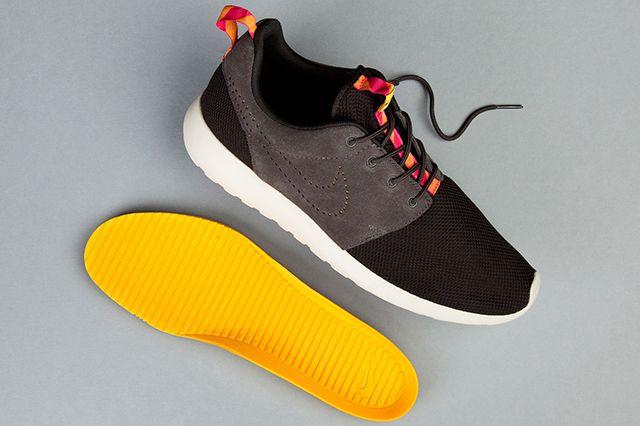 Nike Roshe Run Perf Swoosh Black Grey Pink 1