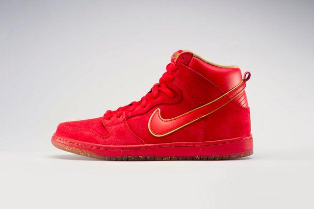 Nike Dunk High Premium Sb Red Side View