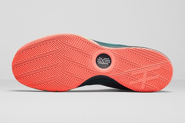 Nike Kyrie 1 Flytrap 2
