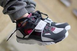 Nike Air Trainer Huarache Fireberry Thumb