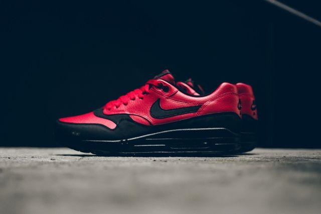Nike Am1 Ltr Gym Red Politics Bumper 5
