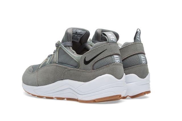 Nike Huarache Light Tumbled Grey 2