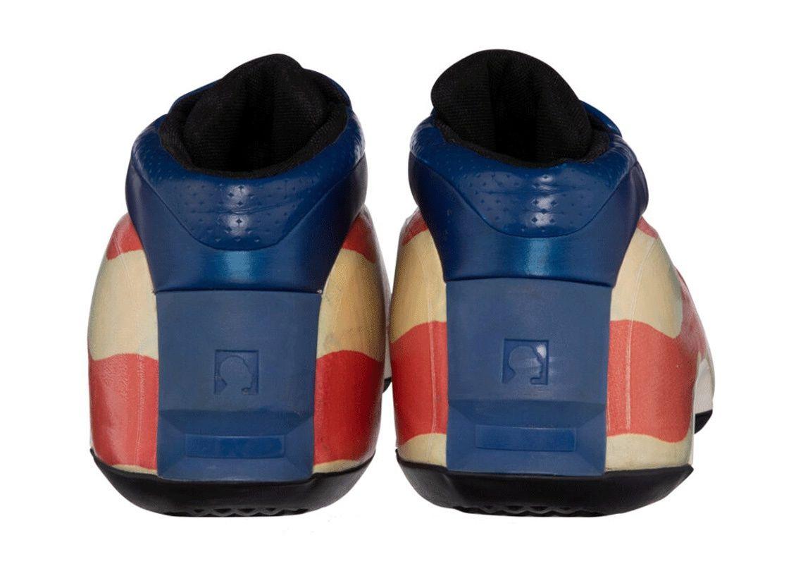 LeBron James' Game-Worn adidas Crazy 1 auction