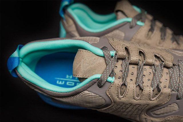Sneakersnstuff X Nike Zoom Taria Fearless 2
