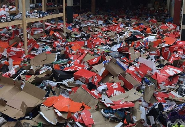 Sportsmart Baltimore Looted