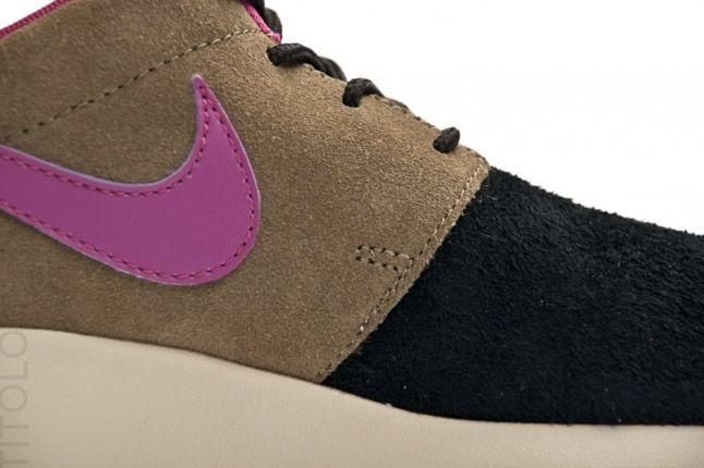 Nike Wmns Roshe Run Black Olive Rave Pink Profile Details 1