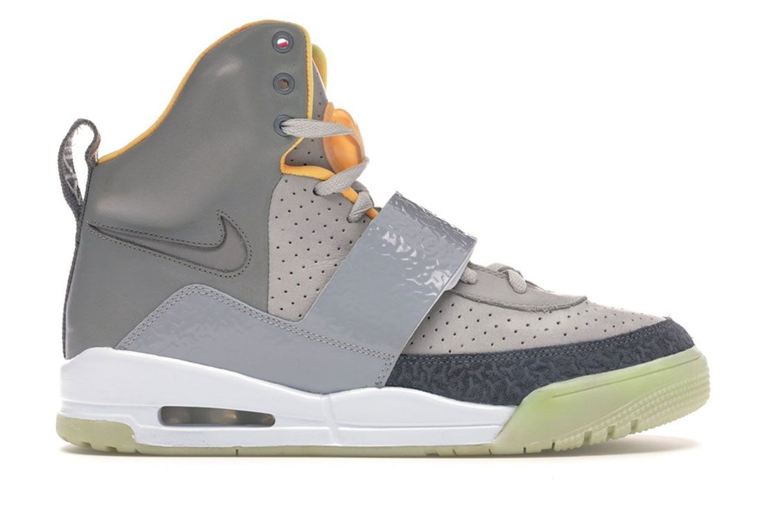 Nike Air Yeezy Zen Grey Lateral Side Shot