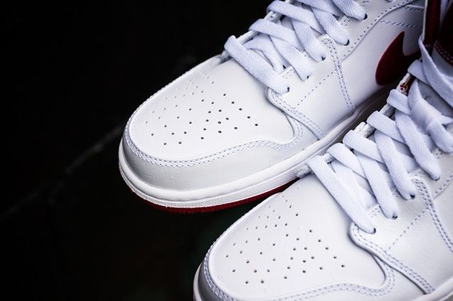 Air Jordan 1 Mid White Gym Red 1