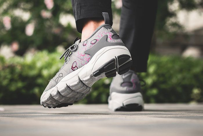Nike Air Footscape Sakura 1