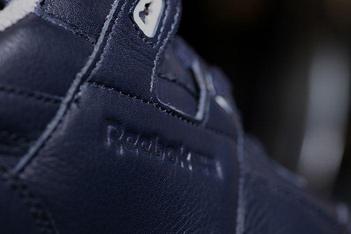 Reebok Tumbled Leather Size 4