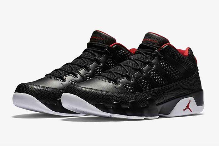 Air Jordan 9 Low Bred3