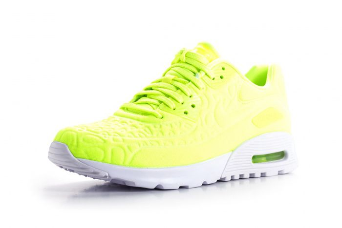 Nike Air Max 90 Ultra Plush Wmns Volt6